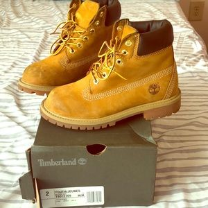 Timberland boot, worn but can be recovered/cleaned